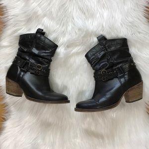 Steve Madden Studded Pull Om Cowboy Boots